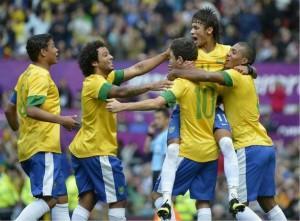 neymar-marca-o-gol-da-vitoria-da-selecao-em-manchester