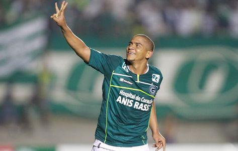 """Foto: Walter, o craque """"gordinho"""" do Goiás."""