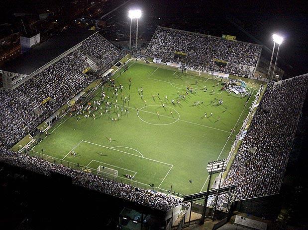 Foto: estádio Frasqueirão, em Natal-RN.